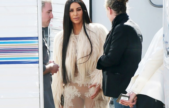Kim Kardashian tao bao voi vay xuyen thau hinh anh