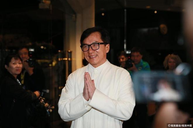 Thanh Long mo tiec thau dem anh 2