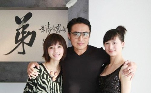 'Lenh Ho Xung' Ma Canh Dao ly hon vo bang tuoi con gai hinh anh 1