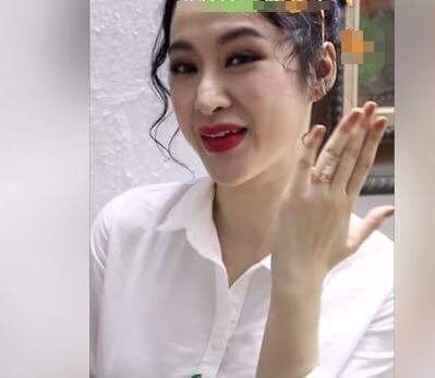 Angela Phuong Trinh lo mui xo xech, bien dang sau tham my hinh anh 1