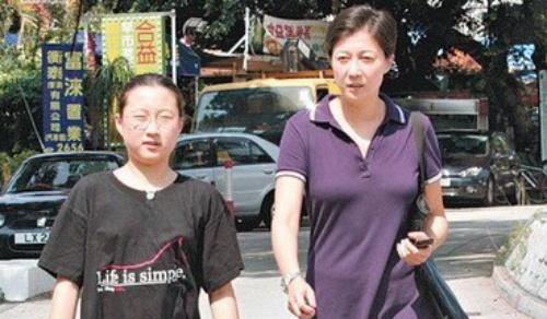 Con gai Thanh Long: 'Tu tu la de nhung nguoi o lai vui ve ma song' hinh anh