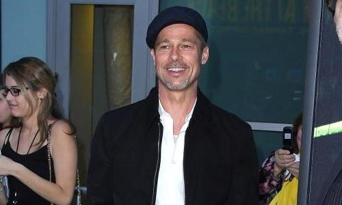 Brad Pitt hom hem, gia nua khi xuat hien tren tham do hinh anh