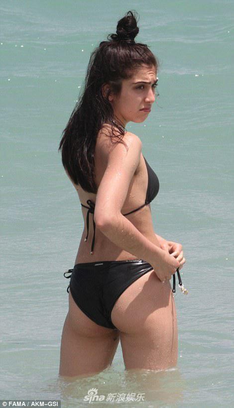 Con gai Madonna dien bikini anh 3