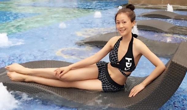 Sao 'Loc dinh ky' Luong Tieu Bang manh mai voi bikini o tuoi U50 hinh anh