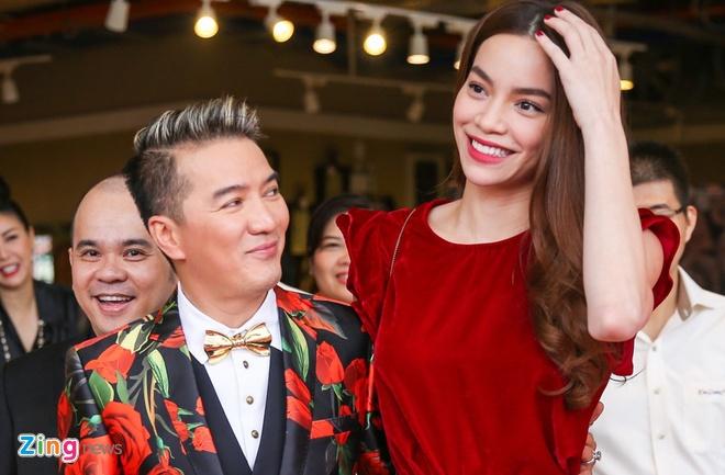 Dam Vinh Hung viet cho Ho Ngoc Ha: 'Troi sinh Hung sao con sinh Ha' hinh anh