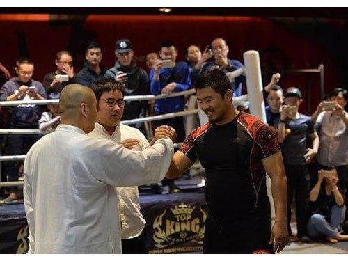 Chan Tu Dan ung ho vo su MMA anh 4