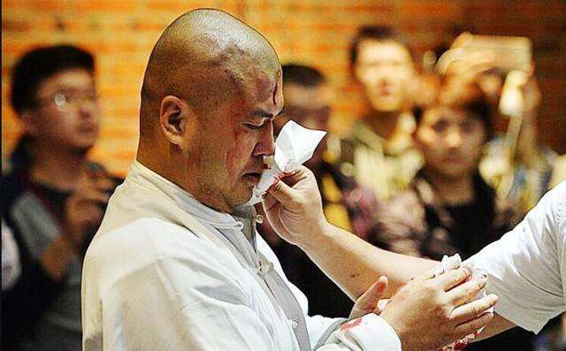 Vo su MMA muon dau Chan Tu Dan, coi thuong Thanh Long, Ly Lien Kiet hinh anh 3