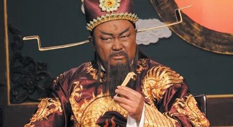 'Bao Cong' Kim Sieu Quan: Tuoi gia khong con cai, benh hiem ngheo hinh anh