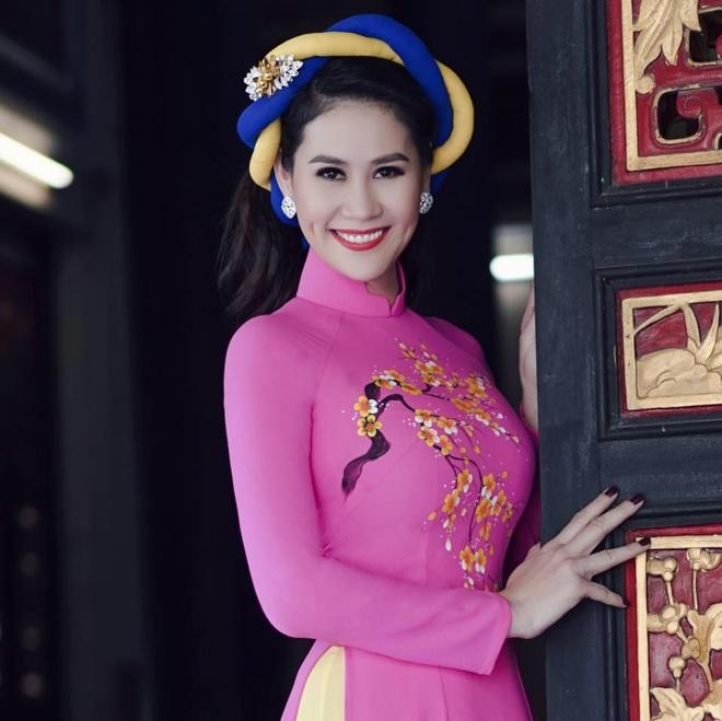 Trung Dan bi Huong Giang Idol xuc pham anh 2