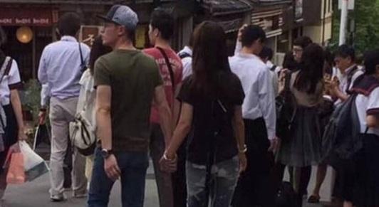 Lam Tam Nhu va Hoac Kien Hoa tay trong tay di du lich Nhat Ban hinh anh