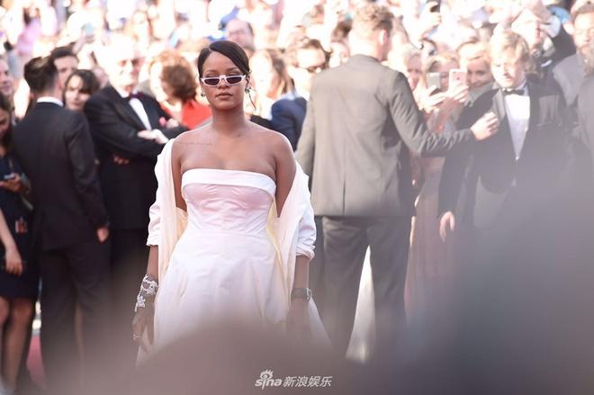 Dan sao Hollywood noi bat, nghe si TQ mo nhat tren tham do Cannes hinh anh 4