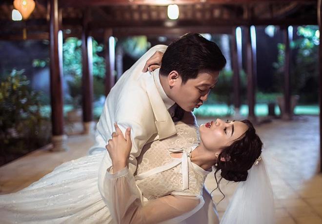Nha Phuong - Truong Giang bieu cam hai huoc trong trang phuc cuoi hinh anh 2