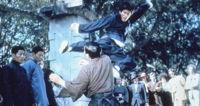 Vi sao Ly Tieu Long nho tai tu 'Tuyet dinh Kung Fu' dong the? hinh anh