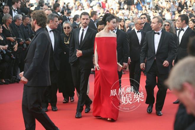 Pham Bang Bang noi bat giua dan thien than noi y tren tham do Cannes hinh anh 3