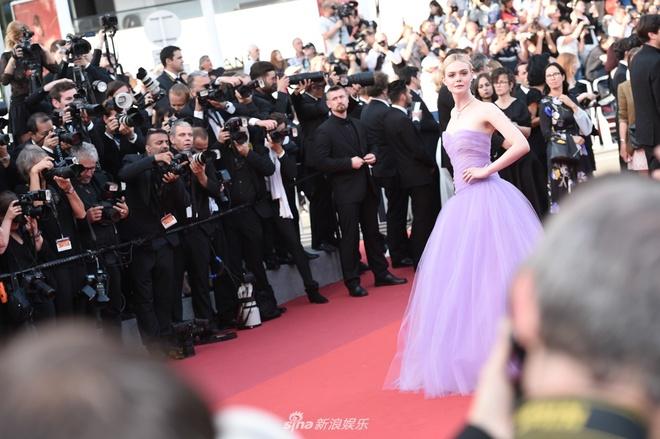 Pham Bang Bang noi bat giua dan thien than noi y tren tham do Cannes hinh anh 13