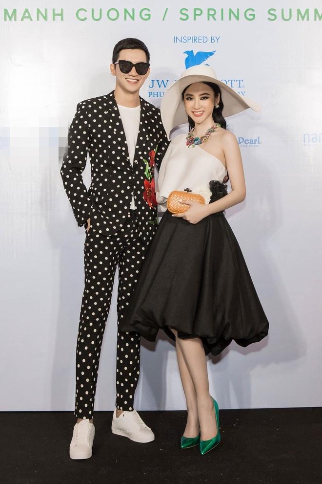 Angela Phuong Trinh va ban trai ra Phu Quoc xem show thoi trang hinh anh 2