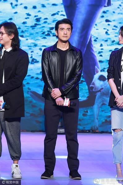 Thanh Long vui suong trao giai cho Phung Tieu Cuong hinh anh 9