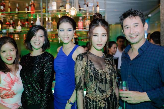 Nghe si Xuan Huong khoi kien, Trang Tran: 'Thich thi ra toa' hinh anh 1