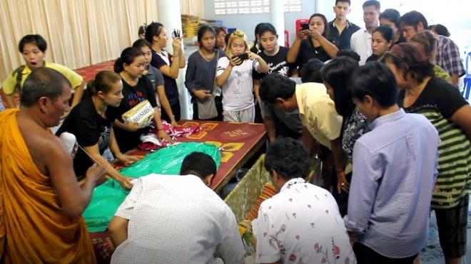 Nguoi than chet lang khi lo hau su cho Hoa hau Thai Lan 19 tuoi hinh anh 1