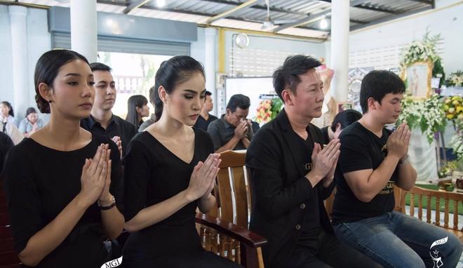 Le tang khong co mat cha me cua hoa hau Thai Lan 19 tuoi hinh anh 8