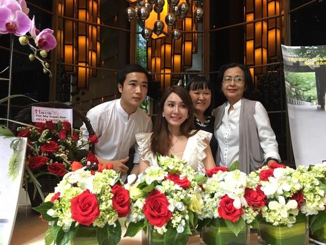 Helen Thanh Dao to chuc hop bao o TP.HCM hinh anh 3
