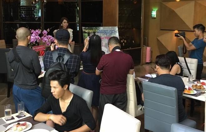 Helen Thanh Dao to chuc hop bao o TP.HCM hinh anh 2