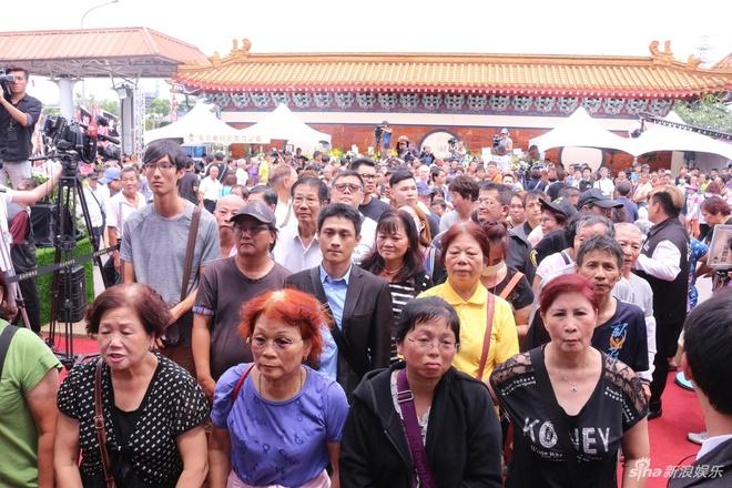 Le tang Thien vuong Dai Loan: Hang nghin nguoi co mat tien dua hinh anh 5