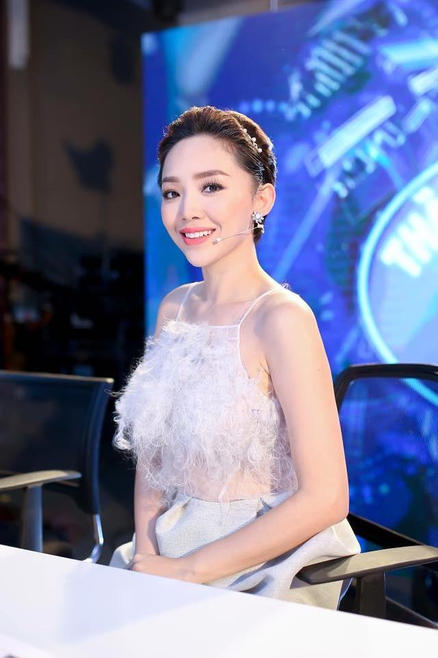 Toc Tien: 'Dang buon khi Phuong Nga duoc tung ho nhu anh hung' hinh anh 2