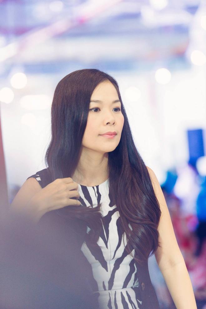 Toc Tien: 'Dang buon khi Phuong Nga duoc tung ho nhu anh hung' hinh anh 3