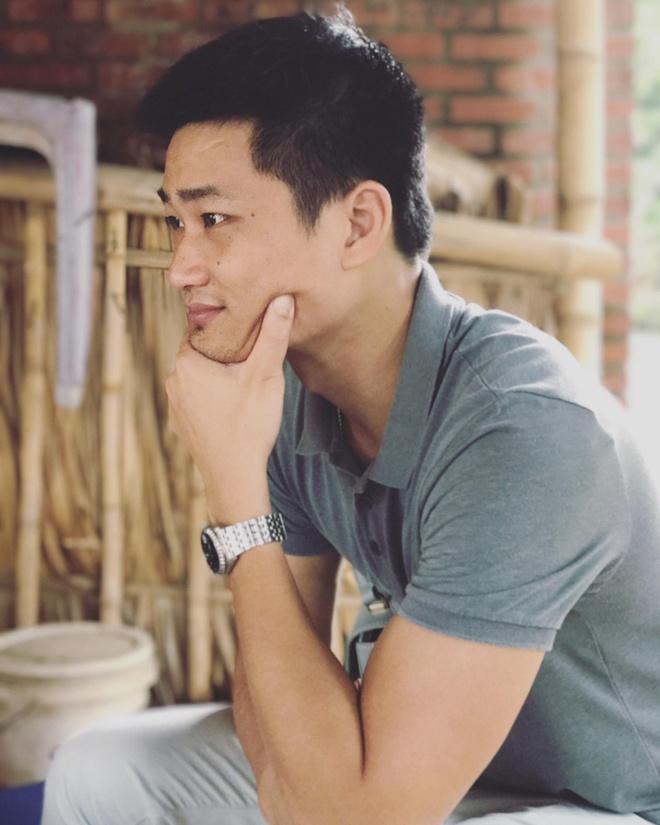Bao Thanh dang anh du lich ben chong con sau on ao voi Viet Anh hinh anh 2