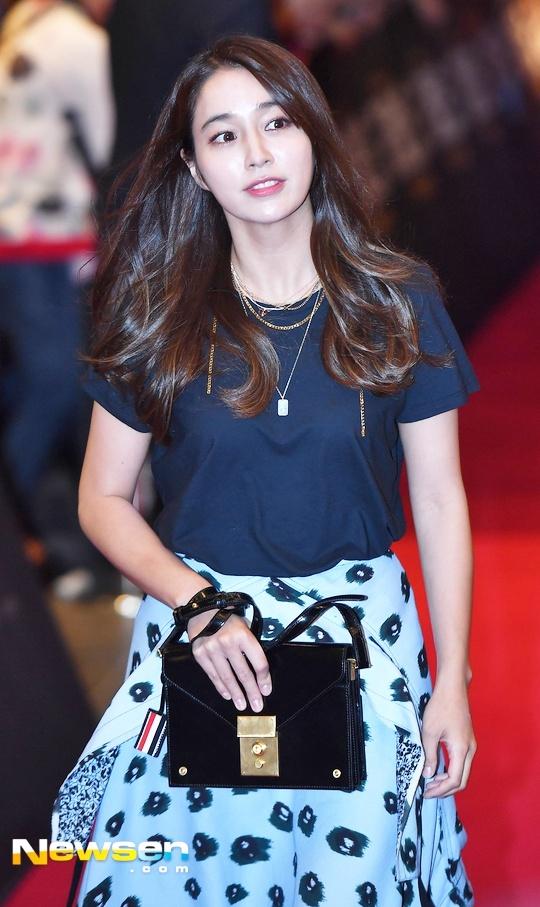 Song Hye Kyo vang mat trong su kien ra mat phim cua Song Joong Ki hinh anh 13