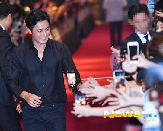 Song Hye Kyo vang mat trong su kien ra mat phim cua Song Joong Ki hinh anh 5