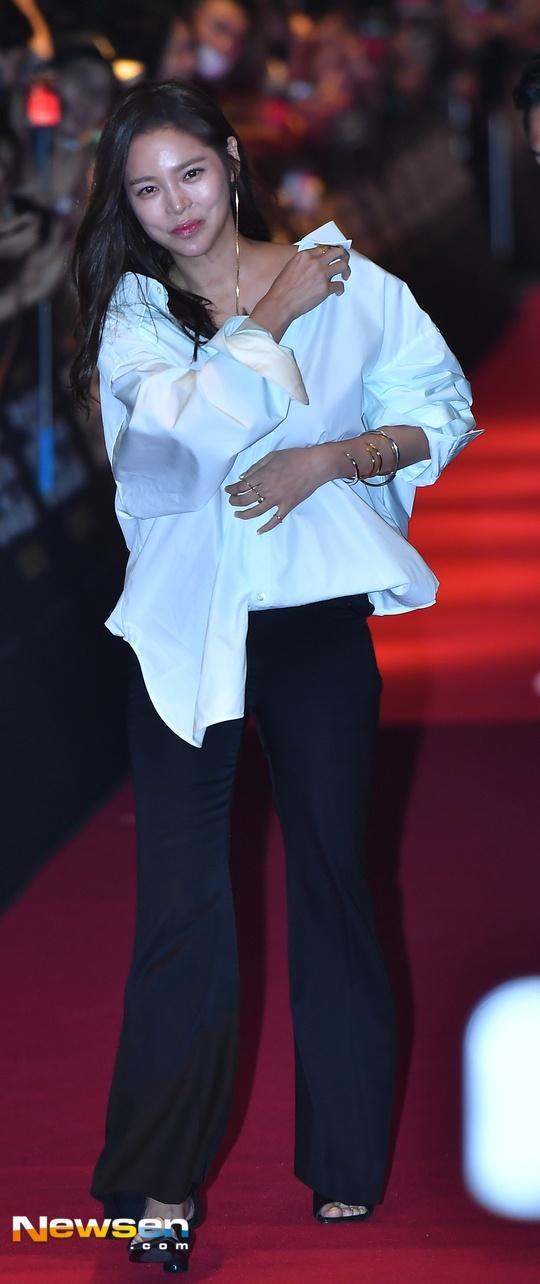 Song Hye Kyo vang mat trong su kien ra mat phim cua Song Joong Ki hinh anh 12