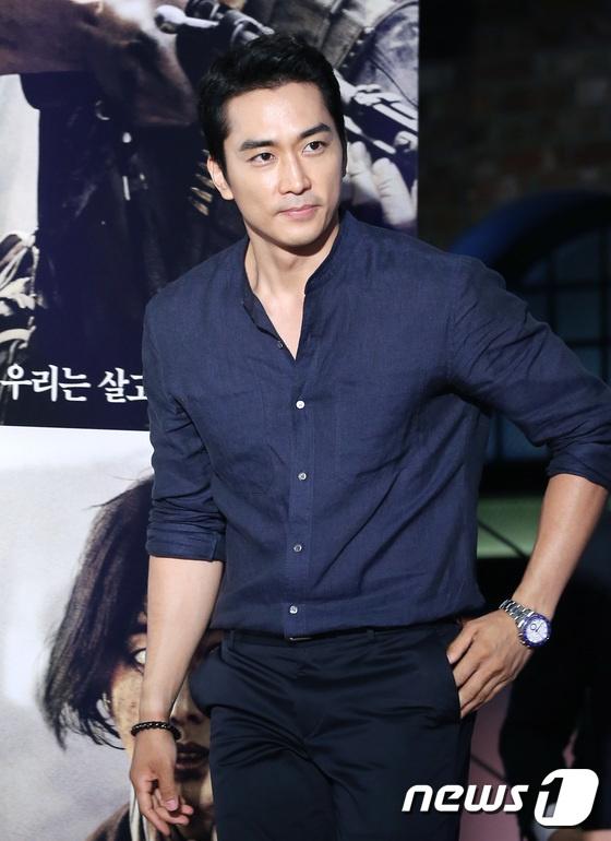 Song Hye Kyo vang mat trong su kien ra mat phim cua Song Joong Ki hinh anh 4