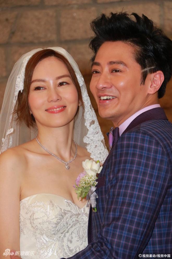 Le cuoi gian di cua tai tu 'Luc Tieu Phung' va sao nu TVB hinh anh 1