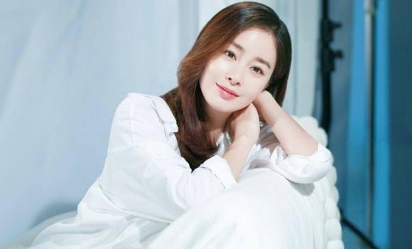 Kim Tae Hee mang bau 7 thang anh 3