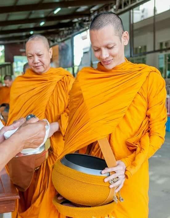 Cuoc song sau khi xuat gia cua hoa hau chuyen gioi Thai Lan hinh anh 9
