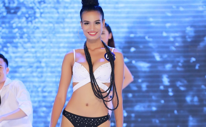 Co gai E de goi cam voi bikini truoc them chung ket Hoa hau Dai duong hinh anh