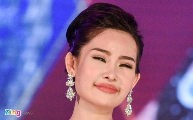 Dan mang che Hoa hau Dai duong 2017 kem sac hinh anh
