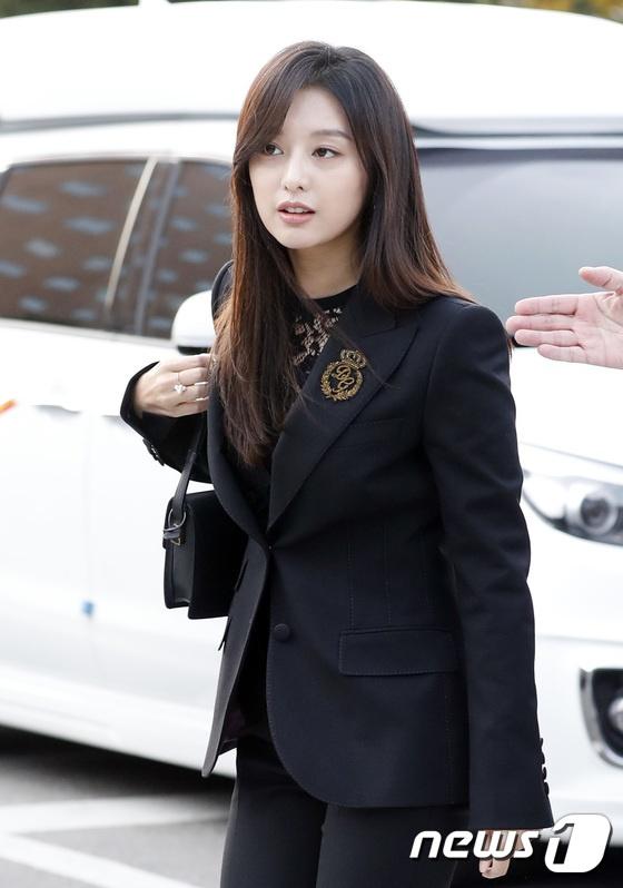 Dan sao hang A du le cuoi Song Hye Kyo - Song Joong Ki hinh anh 9