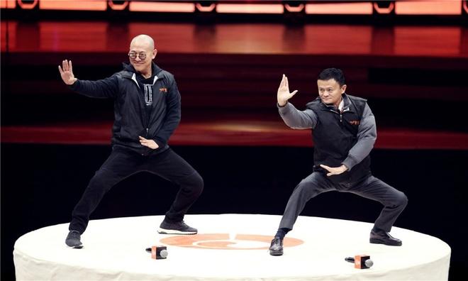 Jack Ma, Ly Lien Kiet mua vo: Kich hay ket thuc, cong phu ra doi hinh anh