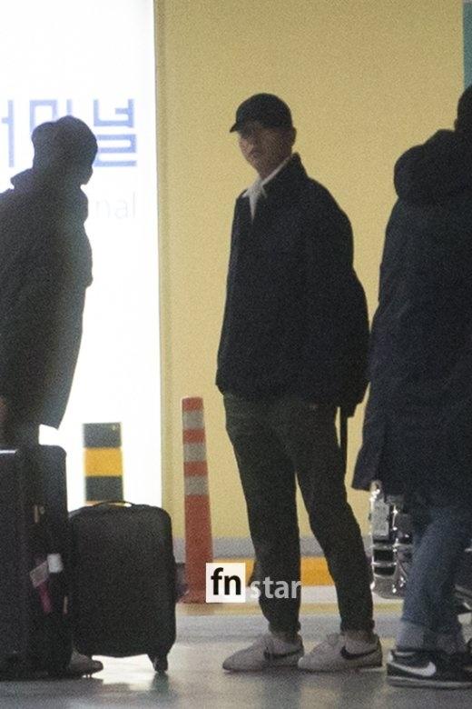 Song Hye Kyo, Song Joong Ki lang le ve nuoc sau trang mat hinh anh 2