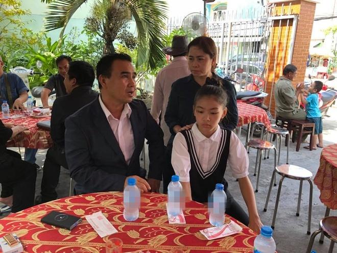 Quyen Linh, Le Tuan Anh ve Long An vieng Nguyen Hoang hinh anh 2