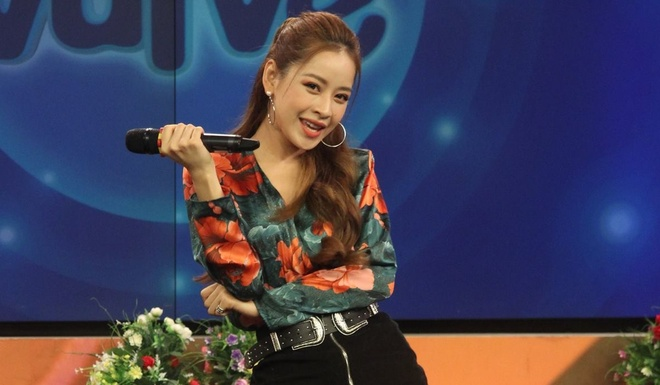 Chi Pu hat live tham hoa: Van Mai Huong, Quoc Thien buc xuc hinh anh
