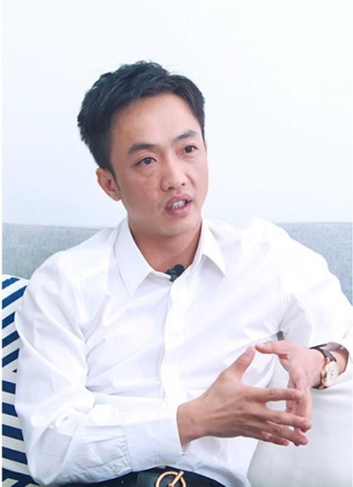 Cuong Do La choi dan piano tang ban gai moi Dam Thu Trang hinh anh 3