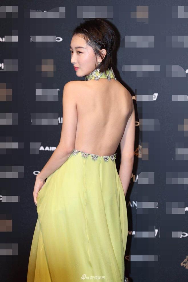 Thu Ky goi cam tren tham do Kim Ma hinh anh 4