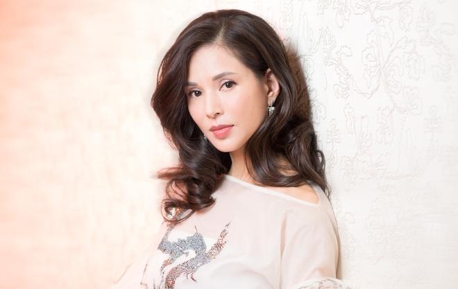 Ly Nhuoc Dong: 'Tieu Long Nu' bi dai gia dang tuoi cha ruong bo hinh anh