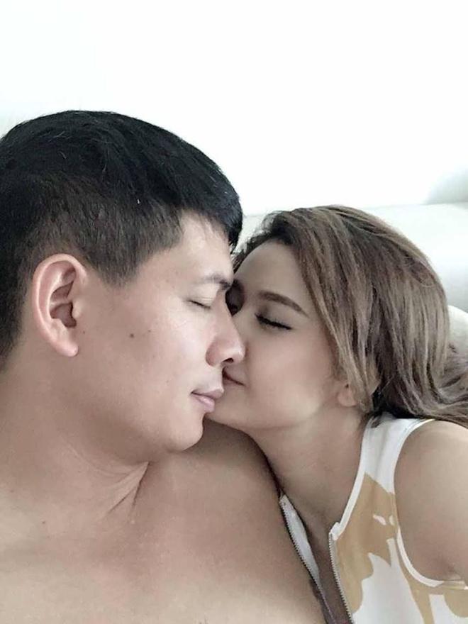 Anh than mat cua Truong Quynh Anh va Binh Minh gay xon xao mang xa hoi hinh anh 1