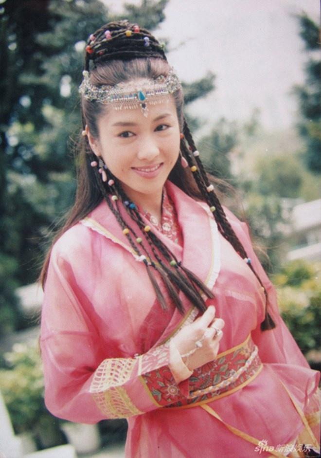 My nhan TVB Le Tu mat sung va cung do, bi nghi tham my hinh anh 3
