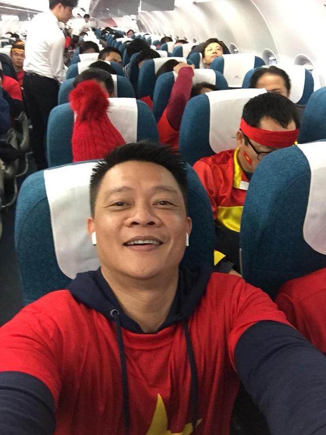 Binh Minh, Quyen Linh va cac nghe si toi Thuong Chau co vu U23 VN hinh anh 8